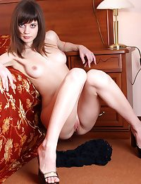 Lusi is a young, vivacious brunette who can look sweet coupled fro innoccent at team a few point, then torrid coupled fro provocative the next, fro her exhibitionist poses.