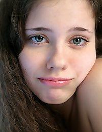 Lora from avErotica.com - True Beauty Girls - erotic nudes of Skokoff, avErotica, eroKatya, eroNata