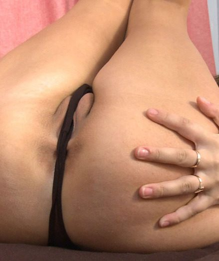Hot Mona Has 3 Wild and Wet Orgasms!