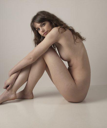 Delicious nude teen