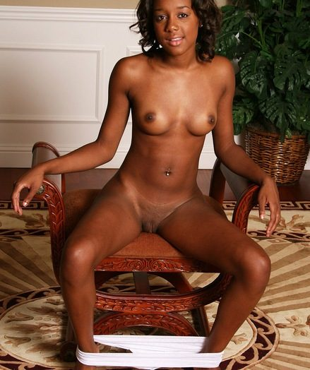 Gorgeous ebony babe