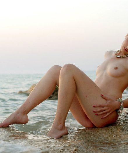 Blue-eyed blonde chick